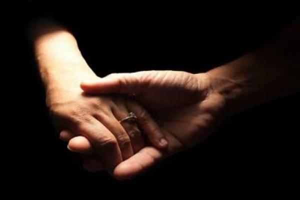 স্কুলছাত্রীকে নিয়ে মসজিদের ইমাম উধাও