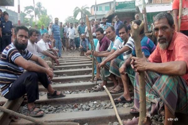 ফের রাজপথ-রেলপথে পাটকল শ্রমিকরা, জনদুর্ভোগ চরমে