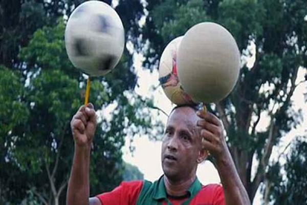 ফুটবল-নিয়ে-'কারিকুরি'-দেখানো-সেই-হালিম-ডেইলি-মেইলকে-যা-বলেছেন