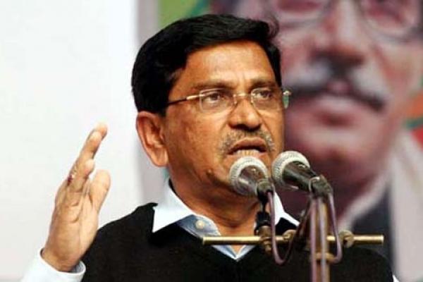 'ছাত্র রাজনীতি নয়, শিক্ষকদের লেজুড়বৃত্তিক রাজনীতি বন্ধ করতে হবে'