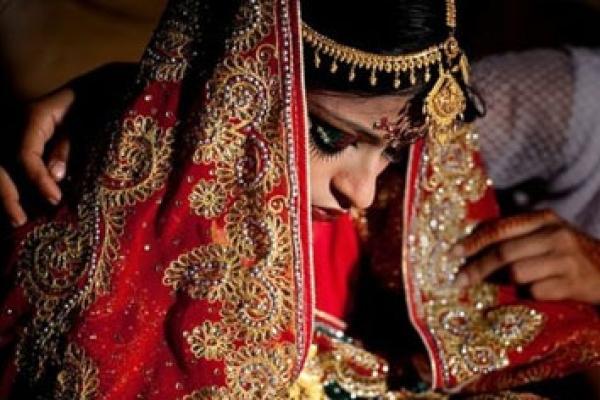 পড়ালেখায় বাধা দেবার কারণে স্বামীকে 'তালাক' দিলো কিশোরী