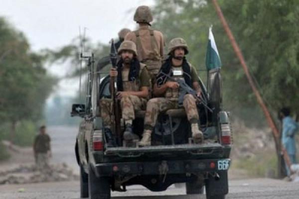 আইএস দমনে আফগান সীমান্তে পাকিস্তানের সেনা অভিযান