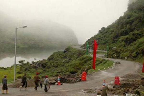 অগ্রসর হচ্ছে চীন, যে কোনও মুহূর্তে আক্রমণ! সীমান্তে সেনা সাজাচ্ছে ভারত
