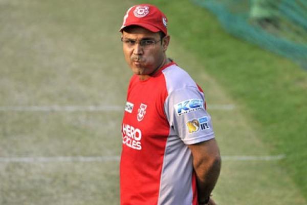 পরের টেস্টে কি নিজেকে সরাবেন কোহলি : শেবাগ