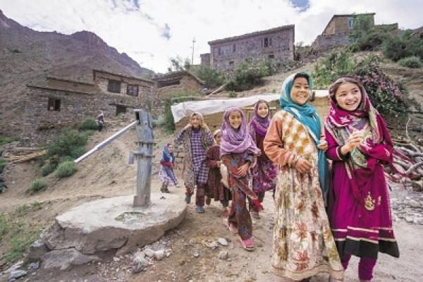 নভেম্বর থেকে জম্মু-কাশ্মীর আর রাজ্য থাকবে না, হবে কেন্দ্রীয় সরকারের অধীনে দুটি অঞ্চল