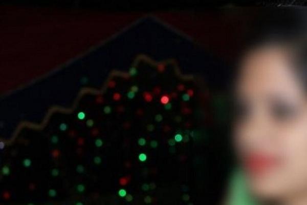 শরীয়তপুরে শ্বশুড়ের সাথে অবৈধ সম্পর্ক প্রবাসীর স্ত্রীর! অাশঙ্কাজনক অবস্থায়...