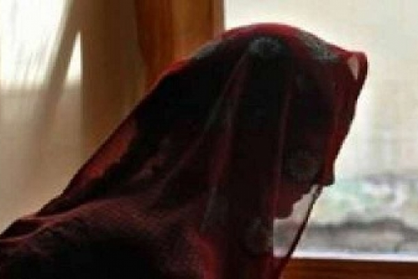 কলেজ ছাত্রীকে স্ত্রী পরিচয়ে বাসা ভাড়া নিয়ে যুবকের কাণ্ড