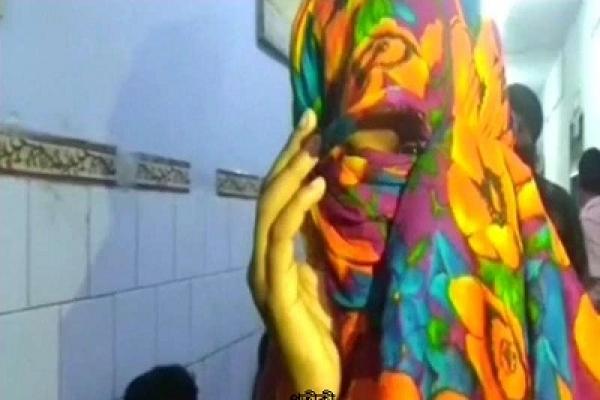 নোয়াখালীতে আবারো গৃহবধুকে গণধর্ষণ