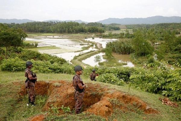 হঠাৎ সীমান্তে ভারী অস্ত্র-সেনা বাড়াচ্ছে মিয়ানমার, সতর্ক বিজিবি