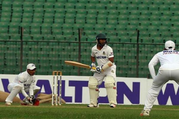 আজ আশরাফুলের দারুণ ব্যাটিংয়ে সব ওলট-পালট, করলেন দ্বিতীয় সর্বোচ্চ রান