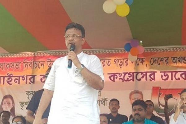 বিজেপি স'ন্ত্রা'সবা'দীদের দল, রাজনৈতিক দল নয় : ফিরহাদ হাকিম
