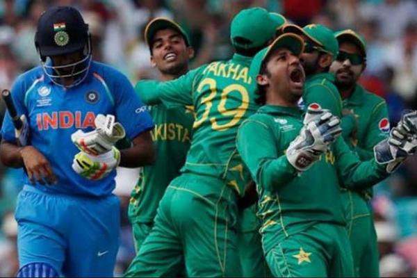 'বিশ্বকাপ মহারণে পাকিস্তানের চেয়ে বেশি চাপে থাকবে ভারত'