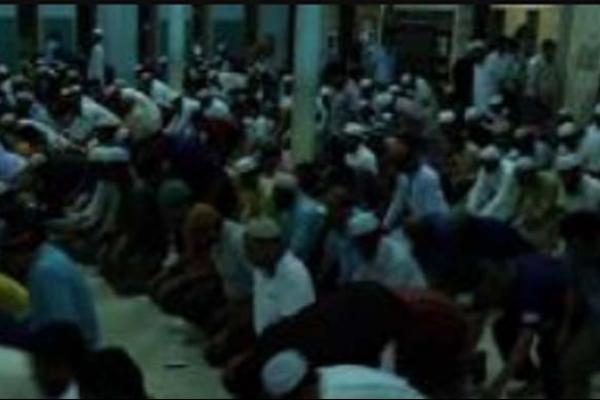 মাদারীপুরে মসজিদে ঢুকে তারাবির নামাজরত মুসল্লিকে কুপিয়ে হত্যা