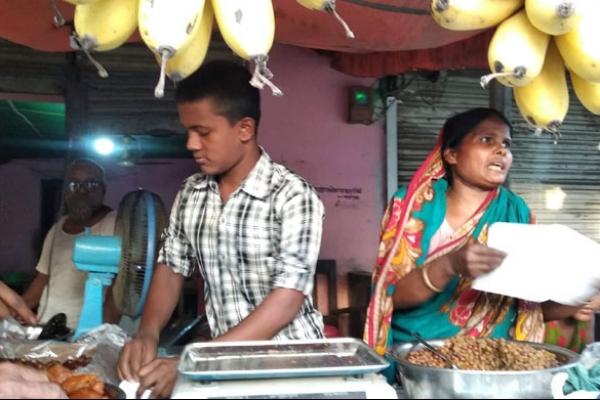 মায়ের সঙ্গে হোটেলে কাজ করেও জিপিএ-৫ পেল কাওছার আলী