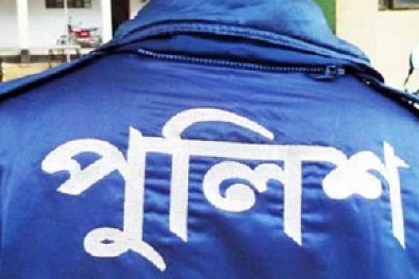 মোল্লাহাটে হেফাজত কর্মীদের হামলায় ওসিসহ ৭ পুলিশ সদস্য আহত