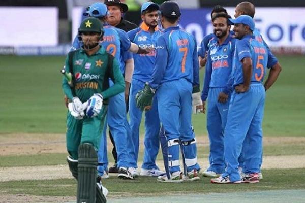 পাকিস্তানকে ৩৩৭ রানের বিশাল টার্গেট দিল ভারত