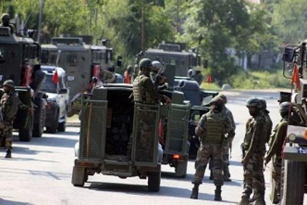 কাশ্মিরে ভয়াবহ সংঘর্ষ : ভারতীয় সেনাবাহিনীর মেজর নিহত