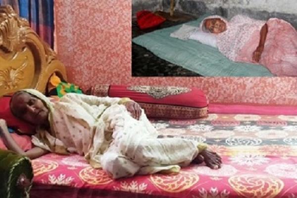 অবশেষে ৯৫ বছরের সেই বৃদ্ধা মাকে নিজের অট্টালিকায় নিলেন ছেলে