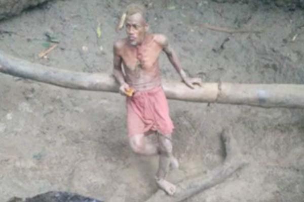 দুই বছর গর্তে থাকা আব্দুল কাদেরকে উদ্ধার করলো পুলিশ
