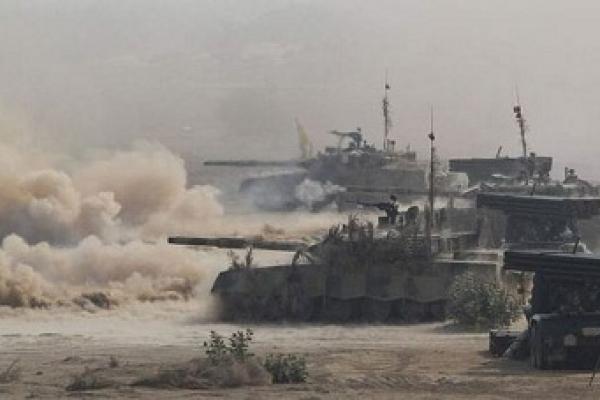 সীমান্তে ভারী যুদ্ধাস্ত্রবাহী বিমান ও ট্যাংক মোতায়েন পাকিস্তানের, বাড়ছে যুদ্ধেরও আতঙ্ক