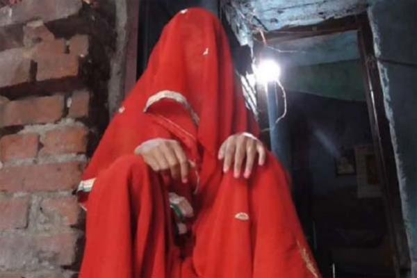 ধ'র্ষণ হওয়া থেকে নিজেকে বাঁচাতে ধ'র্ষককে কো'পালেন গৃহবধূ