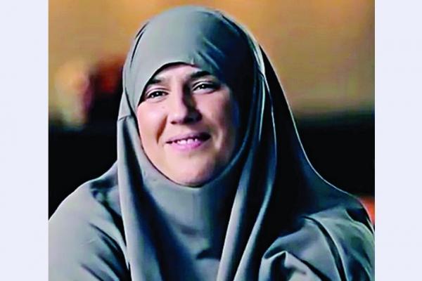 সুখ খুঁজতে গিয়ে ইসলাম খুঁজে পেলাম আর জীবনে প্রথমবার আল্লাহর সামনে সিজদা করলাম : মেলানিয়া
