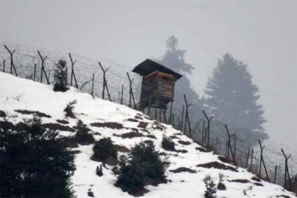 কাশ্মীর সীমান্তে এক মাস পড়ে আছে পাকিস্তানের ৫ সেনার লা'শ!