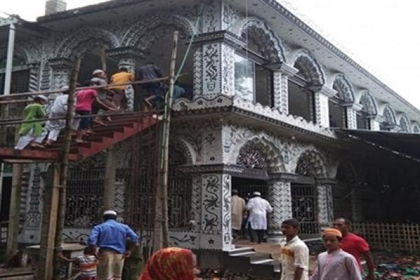 লালমনিরহাটে মসজিদ নির্মাণে বাঁধা দিলো ভারতীয় সীমান্তরক্ষী বাহিনী বিএসএফ, মুসল্লিদের ক্ষোভ