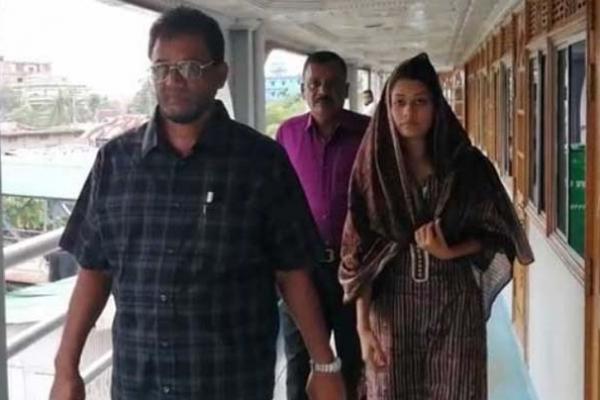 বরগুনার বহুল আলোচিত মিন্নী এখন হবিগঞ্জে, কৌতুহলী এলাকাবাসীর ভিড়