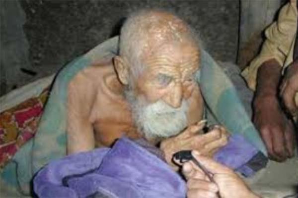 মৃত্যুর আশা ছেড়ে দিয়েছেন ১৮৪ বছর বয়সী বৃদ্ধ