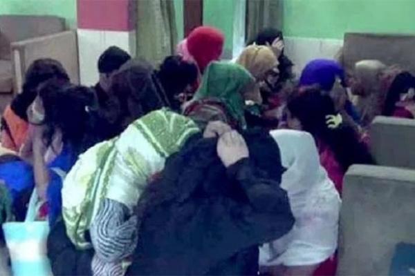 আবাসিক হোটেলে ১৮ নারী-পুরুষ আপত্তিকর অবস্থায় ধরা