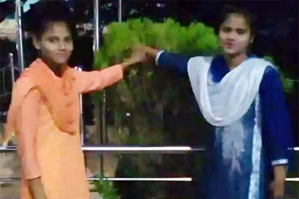 গভীর রাতে টেকনাফের দুই স্কুলছাত্রীকে তুলে নিয়ে গেছে রোহিঙ্গা হাকিম বাহিনী