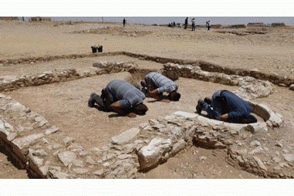 ১২০০ বছরের পুরোনো মসজিদের সন্ধান