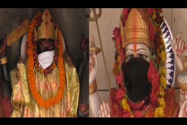 মোদির এলাকায় তী'ব্র বায়ু দূষণ, দেবতাদের মুখেও মাস্ক