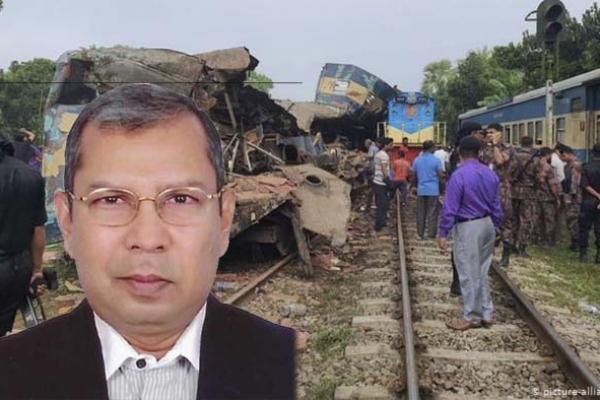 ট্রেন দু'র্ঘ'টনার প্রকৃত কারণ জানালেন রেলওয়ের মহাপরিচালক