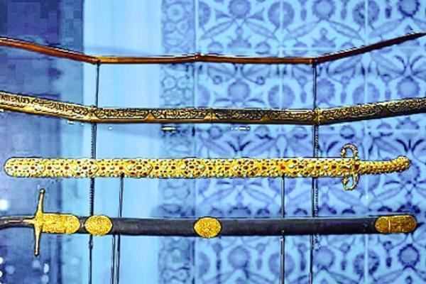 রাসুল (সা.)-এর ব্যবহৃত তরবারি
