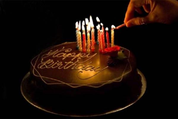 'ধর্ম বাঁচাতে হলে জন্মদিনে কেক কাটবেন না, মোমবাতি জ্বালাবেন না'