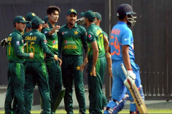 মিরপুরে ভারতকে ৩ রানে হারিয়ে ফাইনালে পাকিস্তান