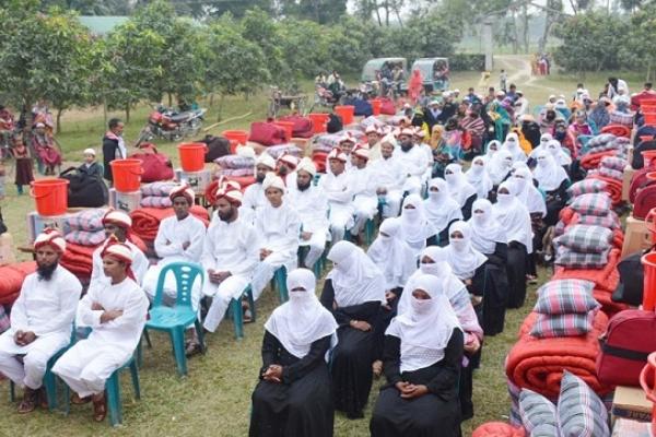 দিনাজপুরে ৪০ দরিদ্র ও এতিম তরুণ-তরুণীর যৌতুকবিহীন বিয়ে