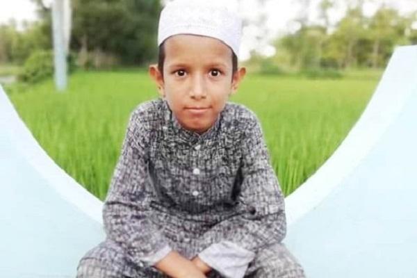 মসজিদ থেকে ইমামের ছেলে নিখোঁ'জ: বাবার আকুতি, শেয়ার করে সন্ধা'নে সহযোগিতা করুন