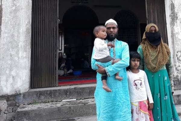সুনামগঞ্জে হিন্দু ধর্ম ছেড়ে একই পরিবারের ৪ জনের ইসলাম গ্রহণ