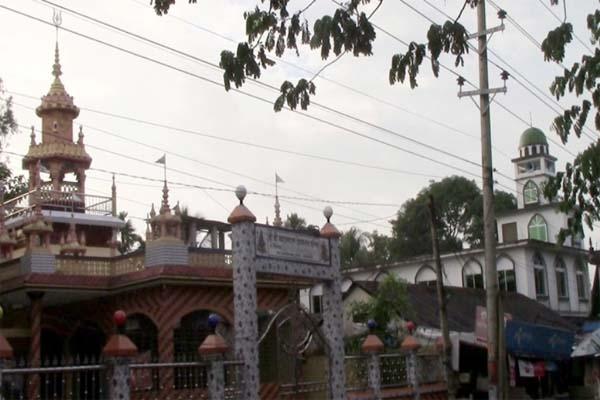 পাশাপাশি মসজিদ-মন্দির, শ্রীমঙ্গলে সম্প্রীতির উজ্জ্বল নিদর্শন