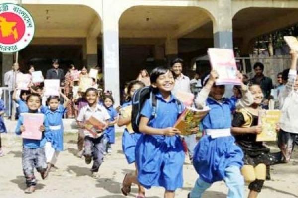 শিক্ষাপ্রতিষ্ঠানের ছুটি আরো বাড়বে কি-না, সে বিষয়ে ঘোষণা আসতে পারে বুধবার