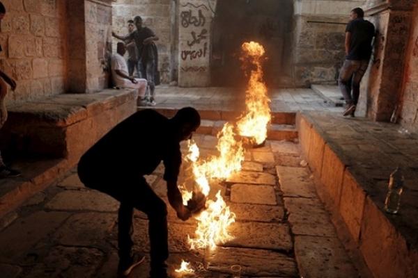 মসজিদে অ'গ্নিসংযোগ ইহুদিবাদীদের প'তনের ই'ঙ্গিত: হামাস