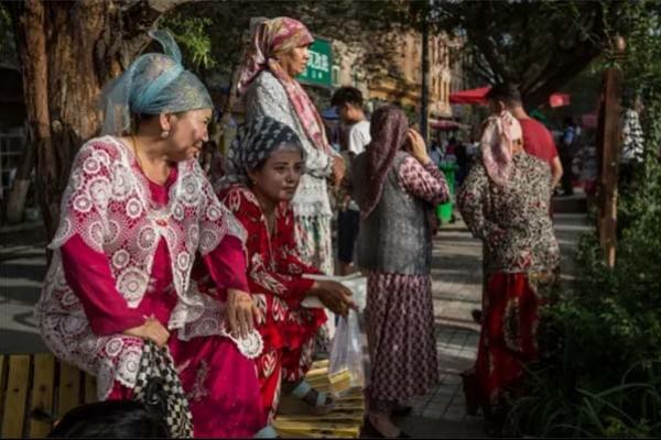 চীনের উইঘুর মুসলিমদের নি'র্মূ'ল করার প'দক্ষে'প সফল, ব'ন্ধ্যা'ত্বকরণের ফলে কমছে জন্মহার