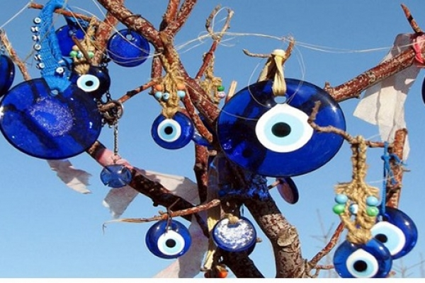 'শয়তানের চোখ' তাবিজ নিষিদ্ধ হলো তুরস্কে
