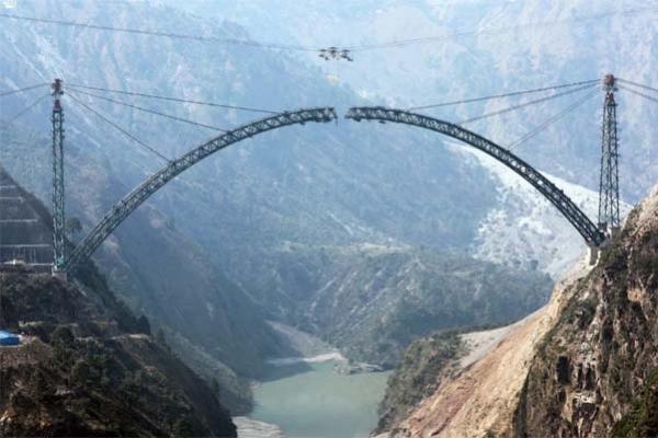 কাশ্মীরে তৈরি হচ্ছে দৃষ্টিনন্দন বিশ্বের উচ্চতম রেলসেতু