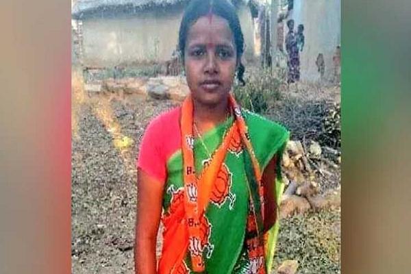 বড় চমক, পশ্চিমবঙ্গে নির্বাচনে জিতলেন অতি দরিদ্র প্রার্থী রাজমিস্ত্রির স্ত্রী