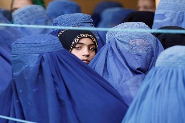 'বাড়ি বাড়ি গিয়ে ১৫ বছরের বেশি বয়সী মেয়েদের বিয়ে করার জন্য খুঁজছে তালেবান'