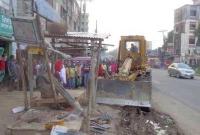 ঢাকা-টাঙ্গাইল মহাসড়কের অবৈধ স্থাপনা উচ্ছেদ অভিযান